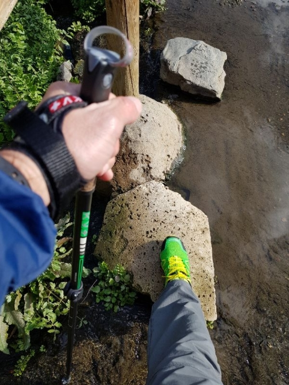 Cruce de uno de los pasos de agua